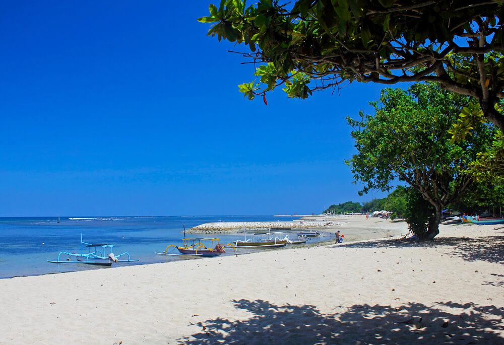 Перезимовать на Бали